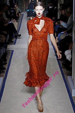 Модная одежда весна 2011 от Yves Saint Laurent
