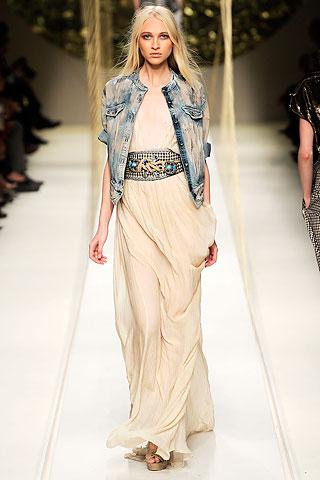 Модные платья 2010
