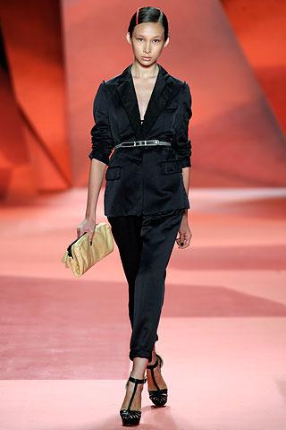 Женский костюм 2010