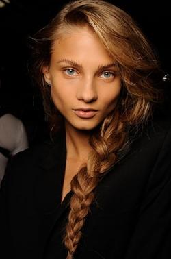 На каждый день для длинных волос 2010
