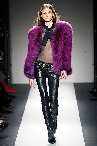 Кожаные женские брюки 2010