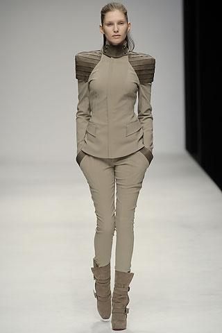Стильные пиджаки от Todd Lynn