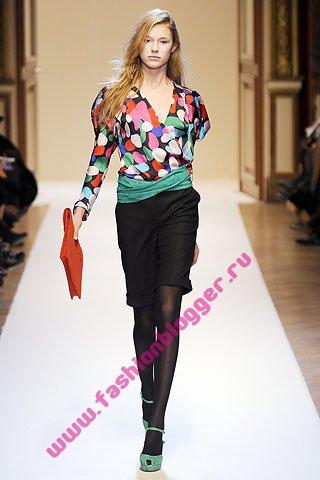 Модные блузы Emanuel Ungaro