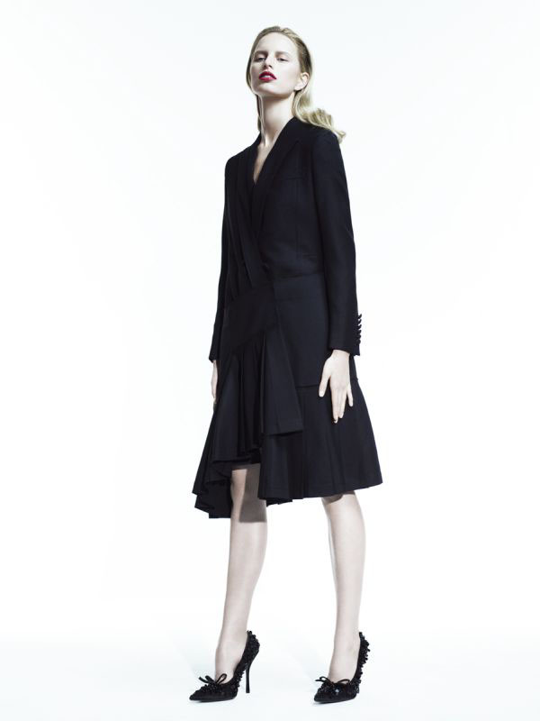 Одежда офисные женские костюмы