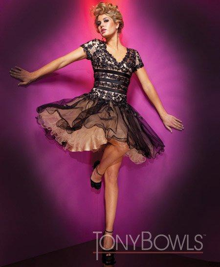 Модные короткие платья 2011 от Tony Bowls