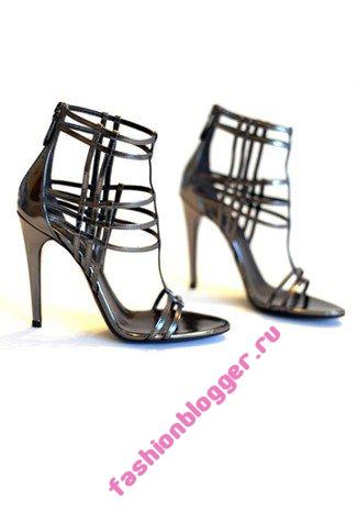 Модная обувь и аксессуары осень 2011 от Roberto Cavalli
