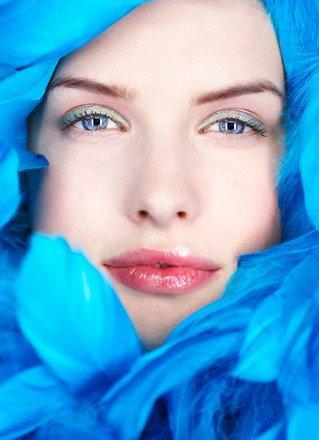 Макияж для голубых глаз 2011