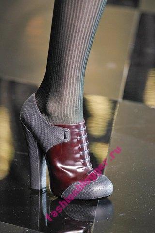 С чем носить ботинки на шнуровке