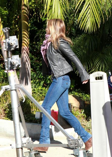 Уличный стиль Дженнифер Энистон 2011