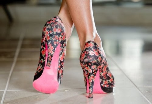Цветочный принт в обуви