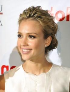 Как макияжем увеличить глаза и губы
