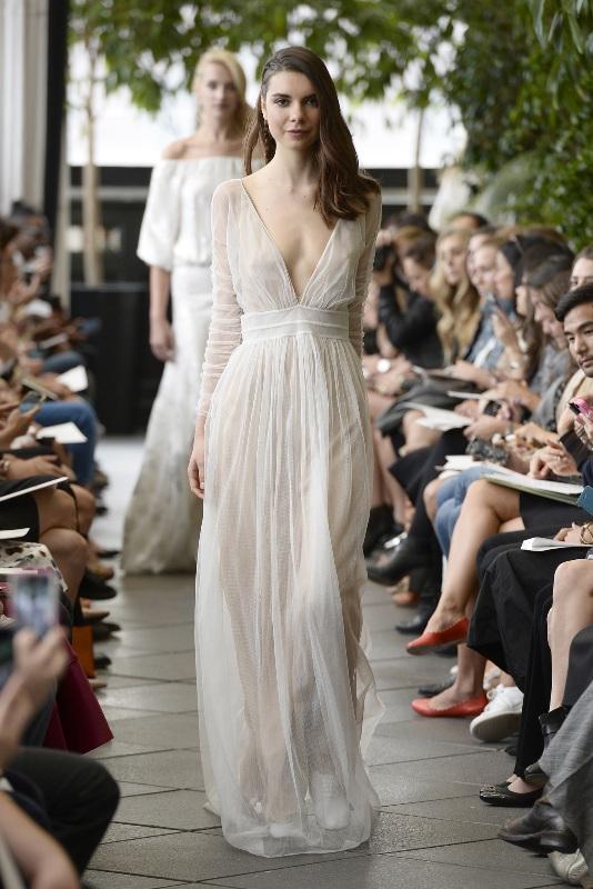 Свадебные платья 2015 и прически (4)