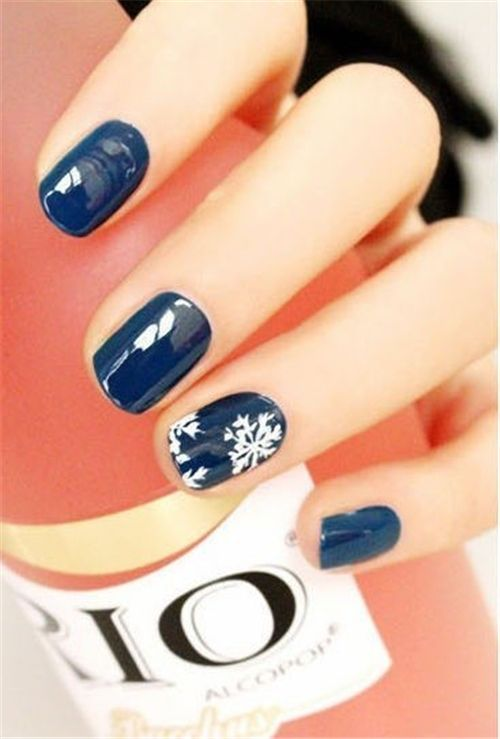 Снежинки на ногтях (8)