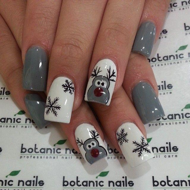 Снежинки на ногтях (13)