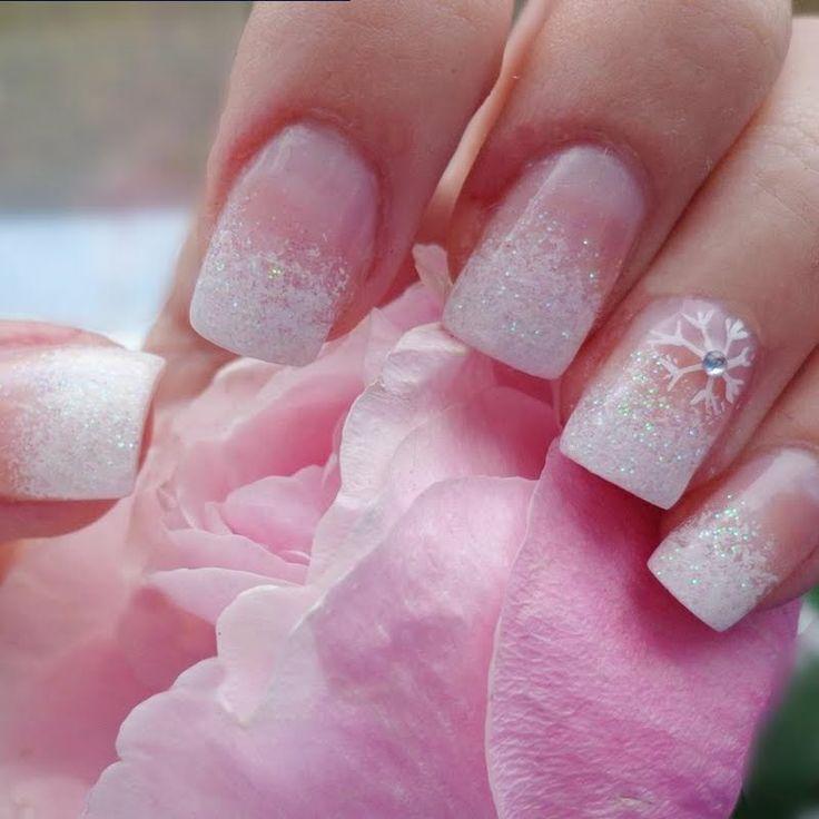 Снежинки на ногтях (17)