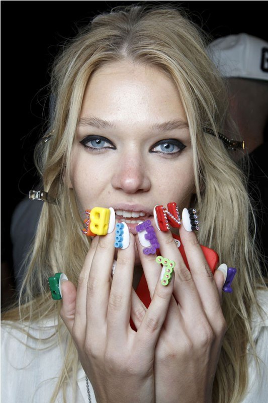 Дизайн ногтей весна 2015 (14)