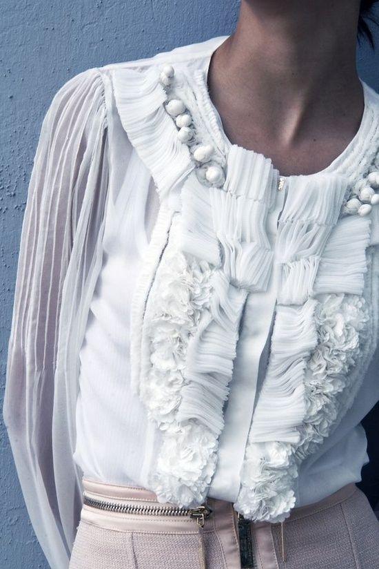 Белые блузки 2018-2019 (18)