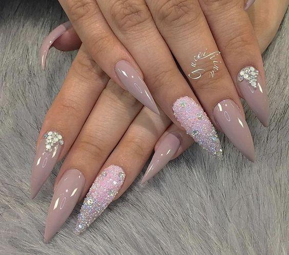 Дизайн ногтей на Новый год 2019 (34)