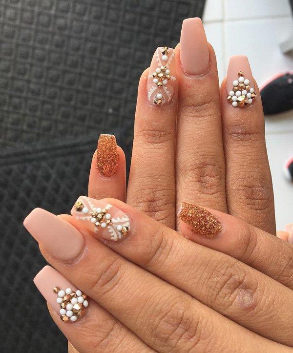Дизайн ногтей на Новый год 2019 (12)
