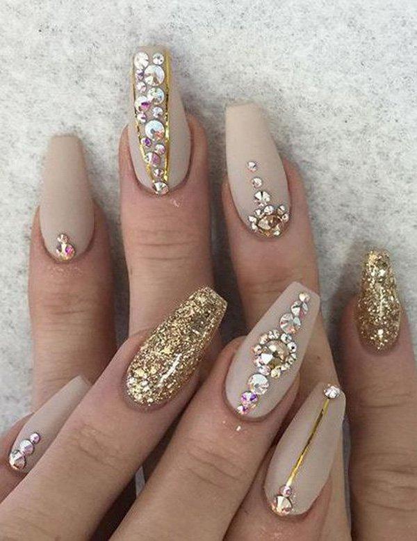 Дизайн ногтей на Новый год 2019 (11)