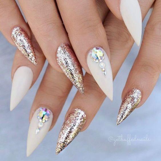 Дизайн ногтей на Новый год 2019 (32)