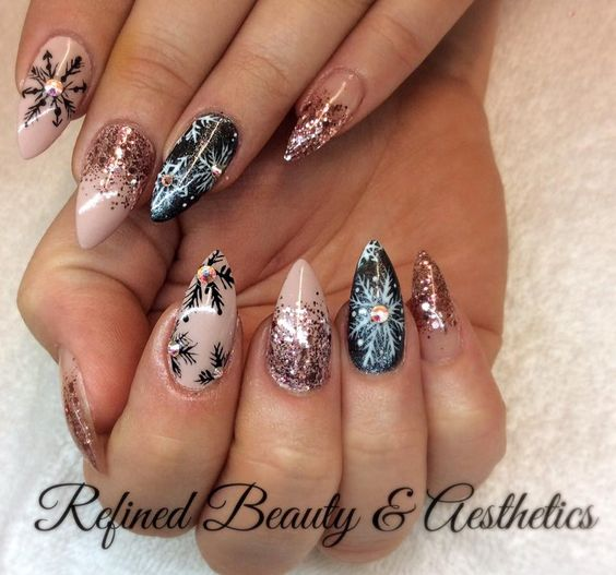 Гирлянда на ногтях (15)
