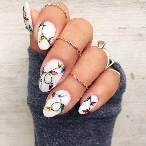 Гирлянда на ногтях (14)