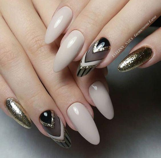 Светлые ногти дизайн 2020 (35)