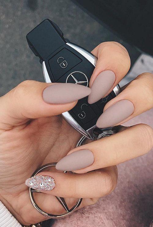 Светлые ногти дизайн 2020 (27)
