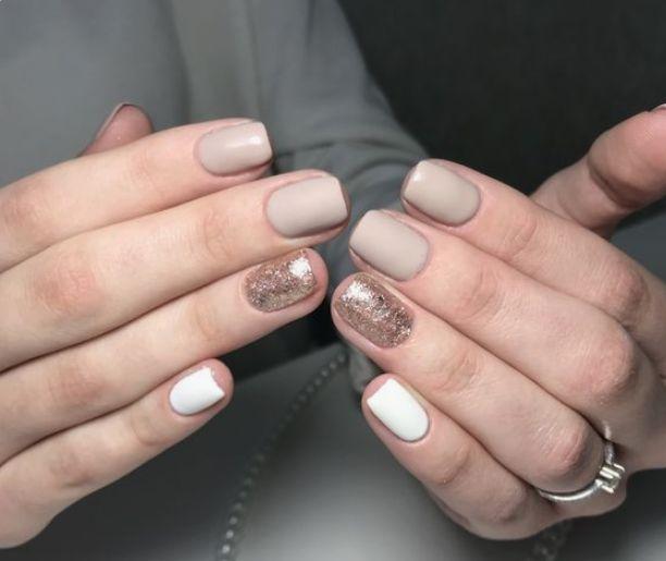 Светлые ногти дизайн 2020 (25)