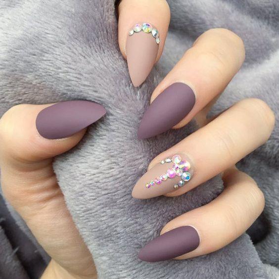 Светлые ногти дизайн 2020 (26)