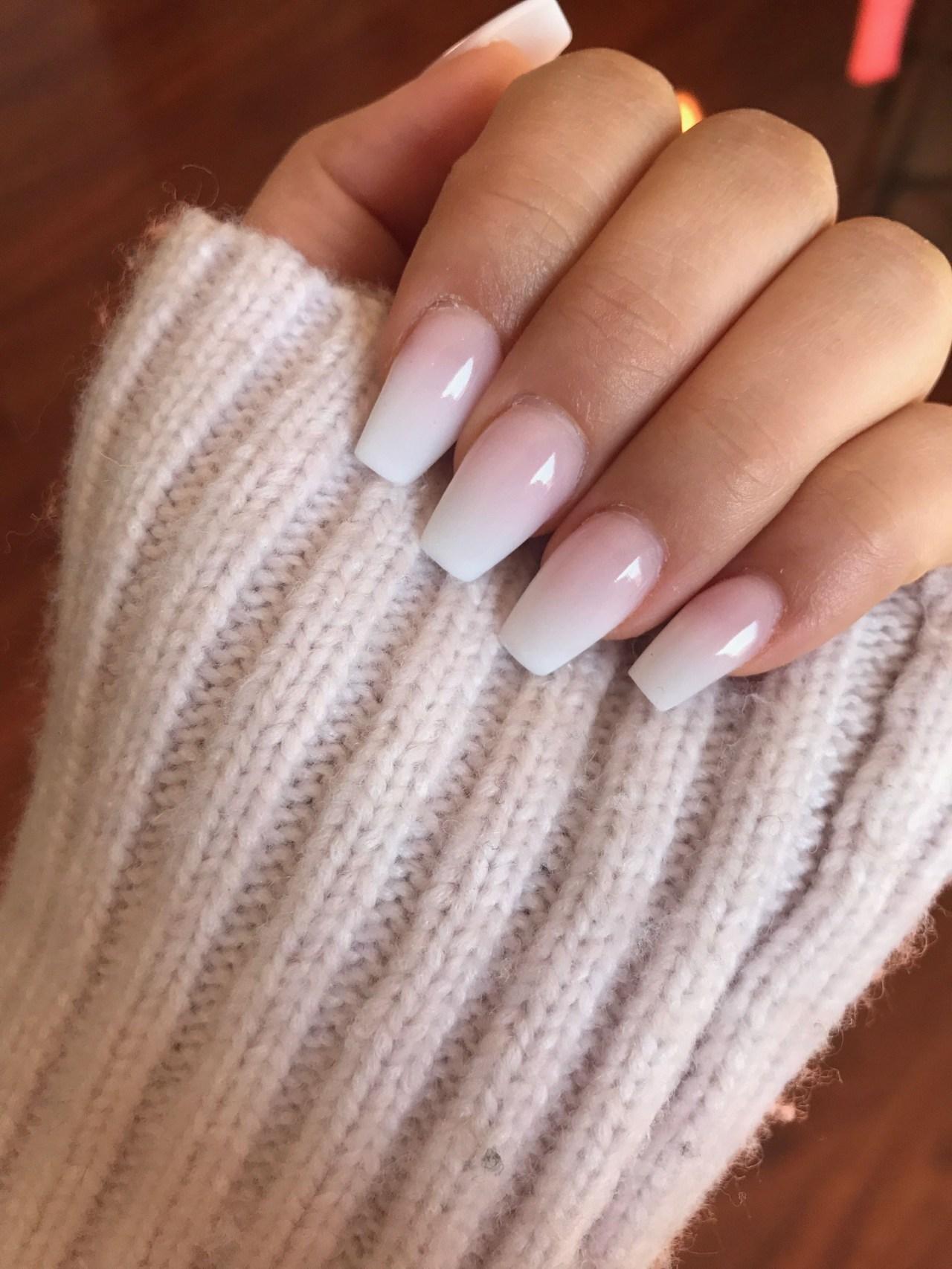 Светлые ногти дизайн 2020 (31)