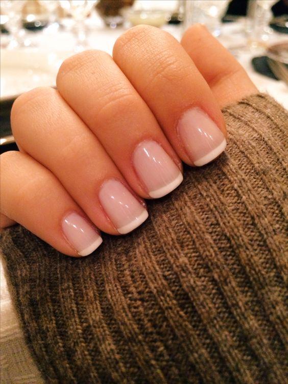 Светлые ногти дизайн 2020 (47)