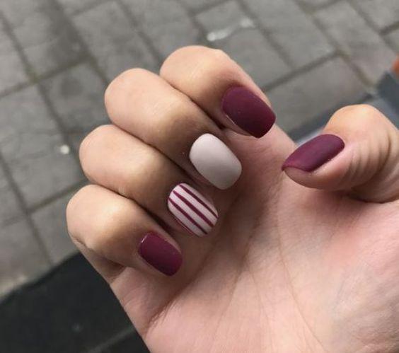 Рисунки на коротких ногтях (49)