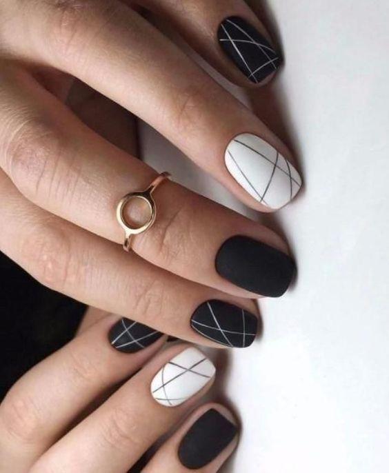 Рисунки на коротких ногтях (46)